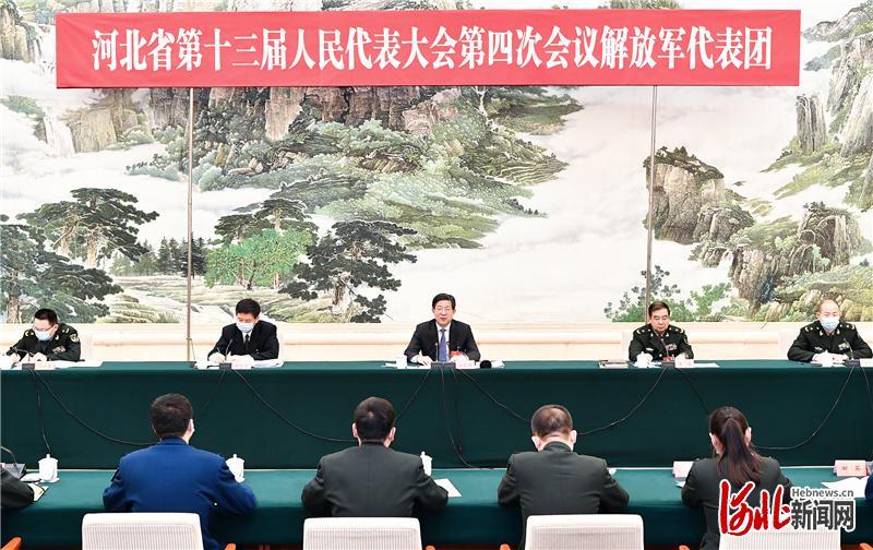 王东峰参加解放军代表团审议