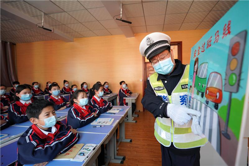 河北邢台:交通安全进校园 上好