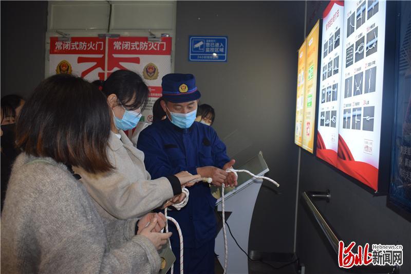 """河北广宗:消防安全""""零距离"""""""